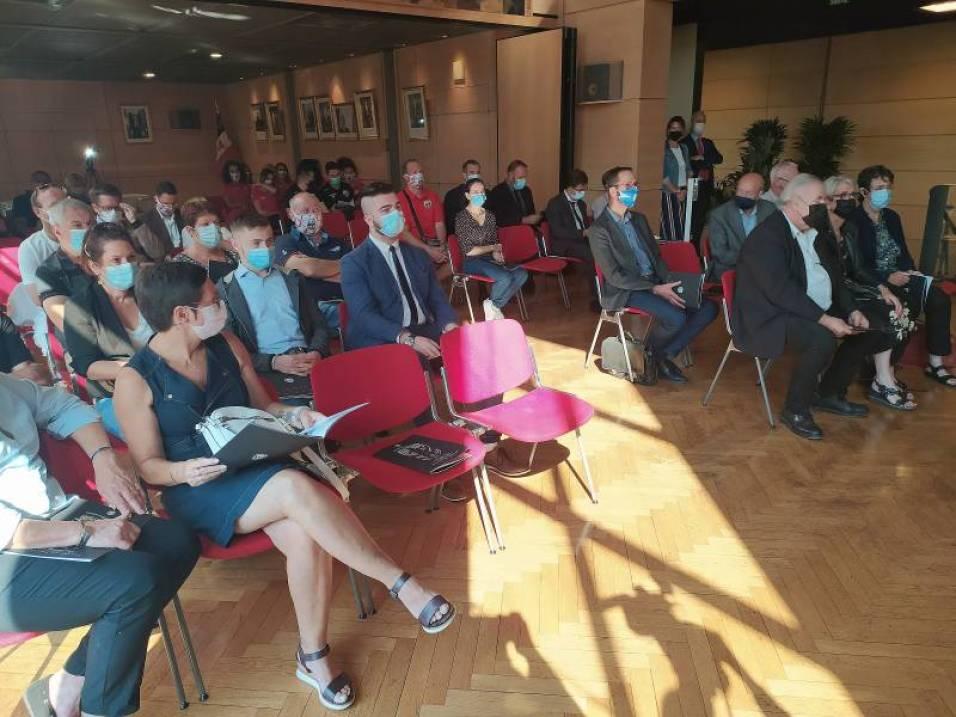 Conférence_Saison_2021-2022_Les_Louves (1)