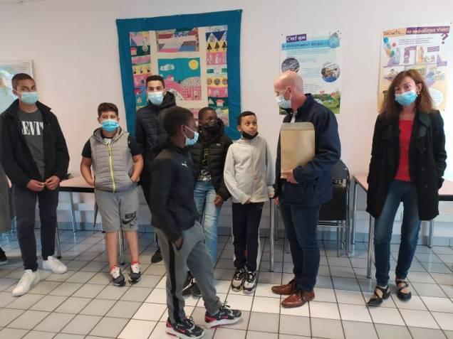 Remise_Chèques_Chantiers_Educatifs_Centres_Sociaux (1)