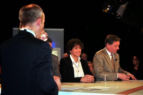Monique Cosson penddant le débat sur le plateau de TLM
