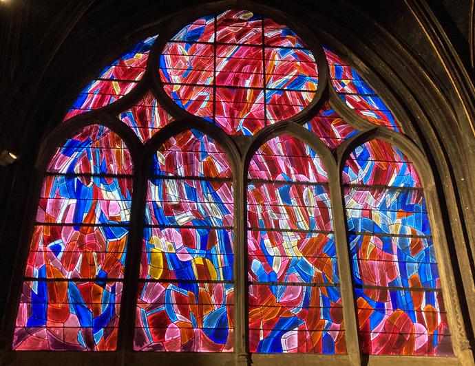Jean Bazaine, La Confirmation, 1969, vitrail réalisé avec Henri Déchanet, église Saint-Séverin © D.R. Source : Narthex