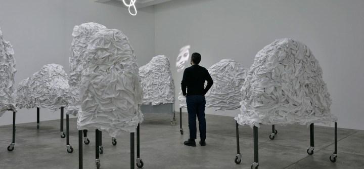 Christian Boltanski. Linges et Esprits. © Chantal Goodman