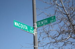 10th & Wacouta sign