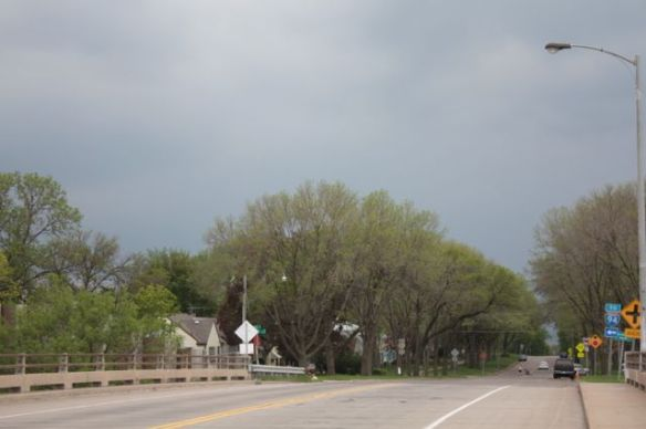 The dark sky from Pelham Parkway and I-94.)