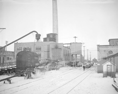 The NP Como shops on a snowy December day in 1948. Courtesy Minnesota Historical Society