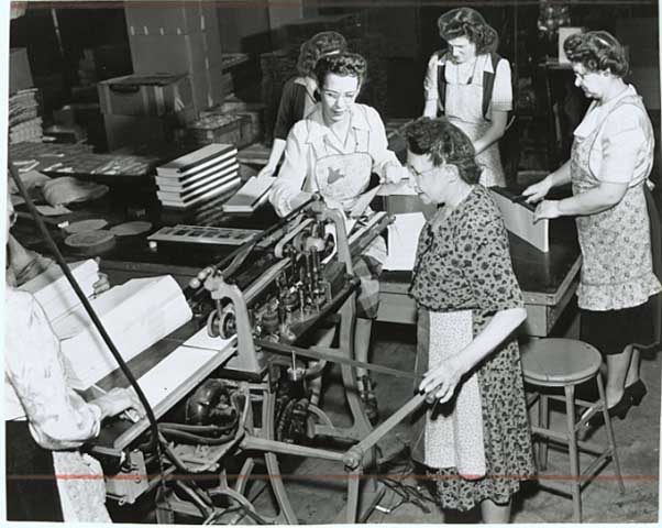 "B & B employees assemble paper pads for ""pocket secretaries"" in 1948. Minnesota Historical Society"