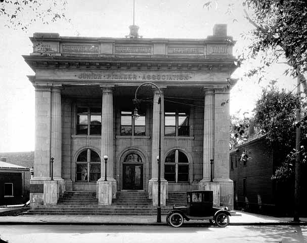 The Junior Pioneer Association Building in 1925. Courtesy Minnesota Historical Society