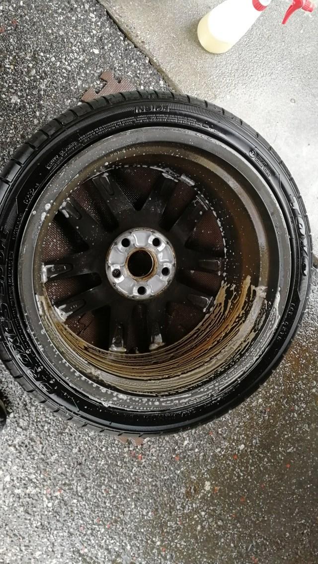 レクサス ハイパーシルバーホイール ガリ傷修理 洗浄
