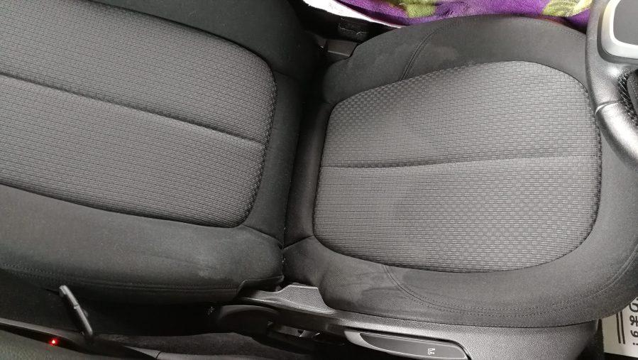 BMW 218d シートクリーニング前