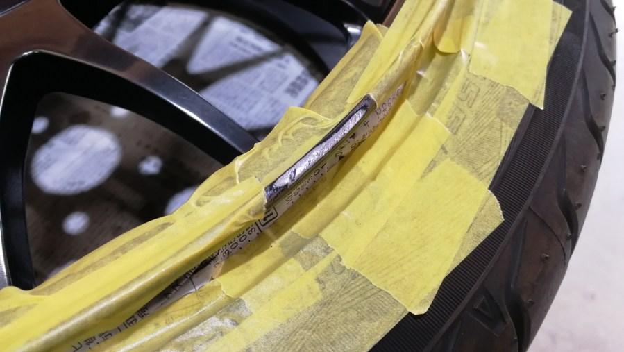 BMW 320d NEEZ  EURO CROSS RG16SR ハイパーブラック ホイール傷修理 傷部位