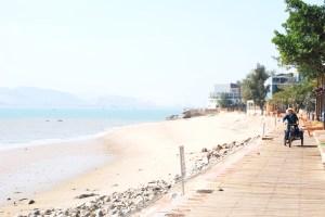 Students also visited the island of Gulangyu.(JOE LERANGIS)