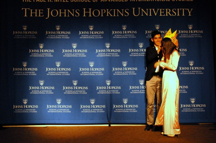 Host Marco Sanchez Junco crowns 2014 Ms. SAIS, Pongkwan Sawasdipakdi. (Sarah Rashid)