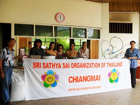 Volunteers at Chiangmai Centre