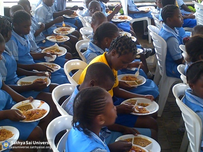 Food for needy children, Nigeria