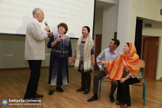 Discussions at Seminar