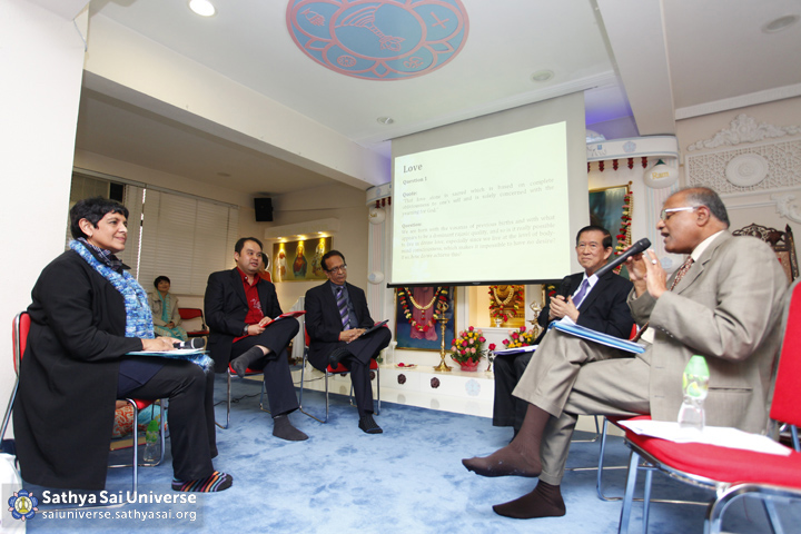Panel discussion on love