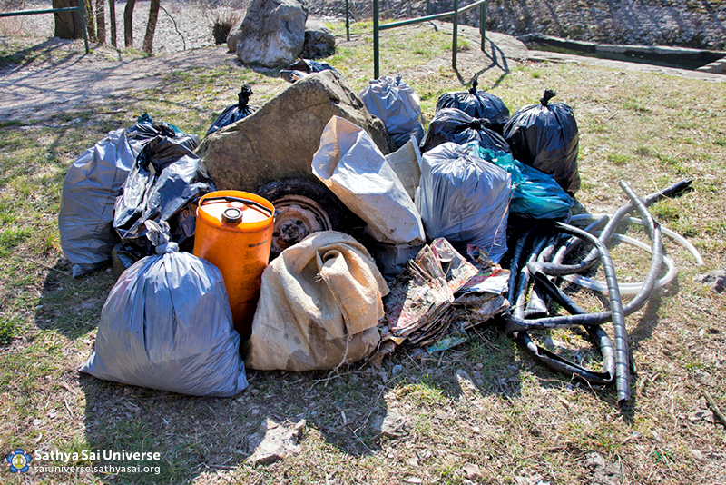 Croatia Twelve bags of rubbish collected in two hours