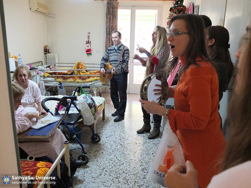 Z6 Greece  Visitng patients at the rehabilitiation centre
