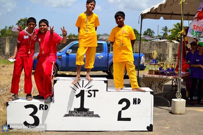 Z1 Trinidad-Tobago Recognizing Winners