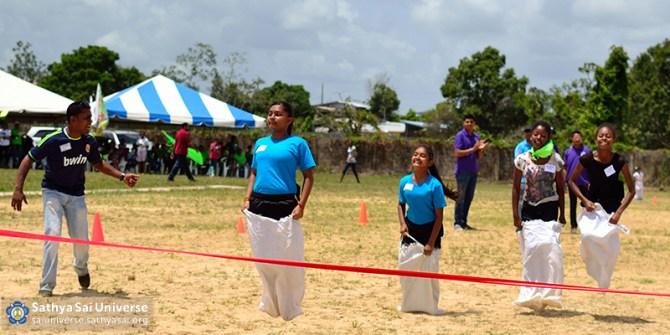 Z1 Trinidad-Tobago Sack Race