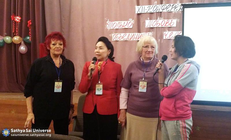 2015.09.19-20-8Z-Kazakhstan- national conference of Kazakhstan-Dana Gillespie performance and Inga Pikullel