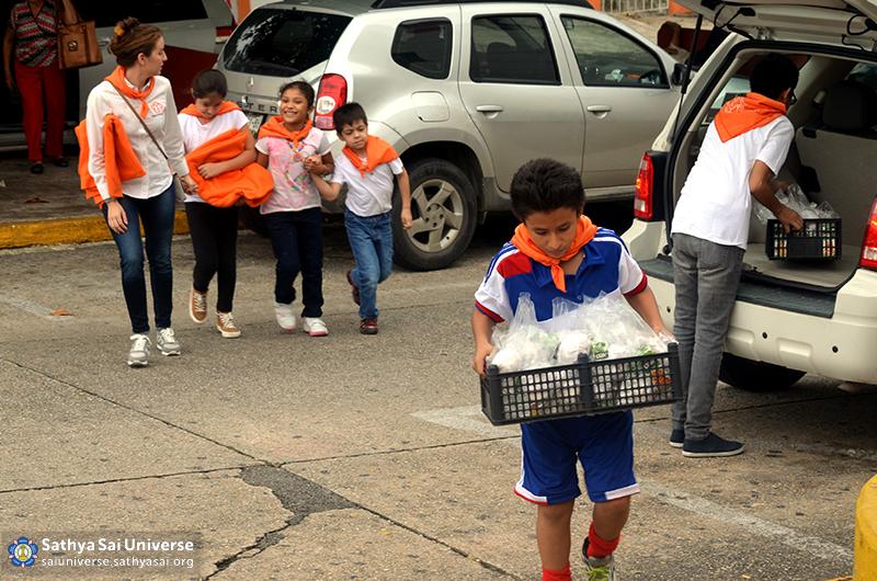 Mexico SSE Serve the needy DSC_0194