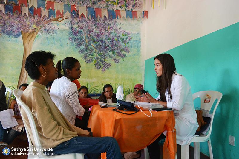 Z2B-Brazil-2015-06-Northeast Committee - Doctors Serving the Patients (11)
