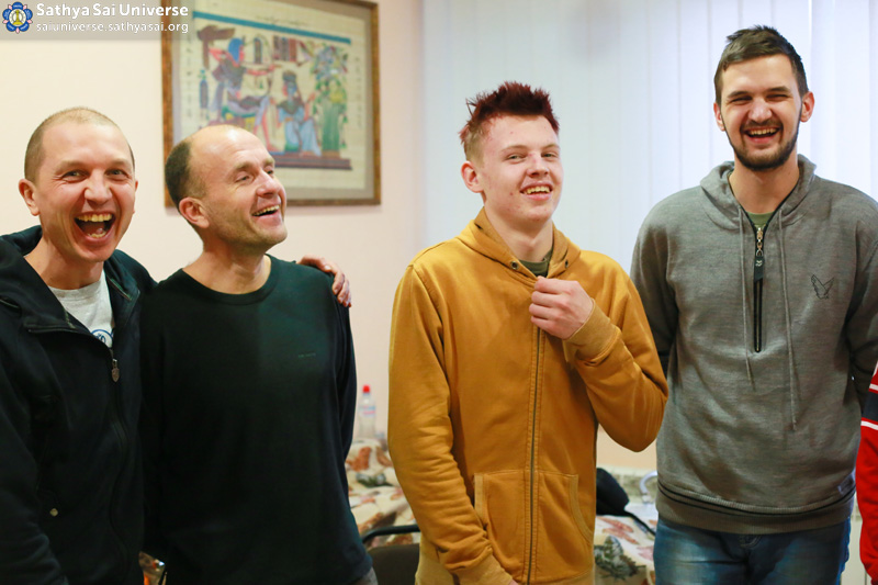 2016.01.09-8Z-Ukraine-Kiev-Youth Conference-The atmosphere at the conference copy