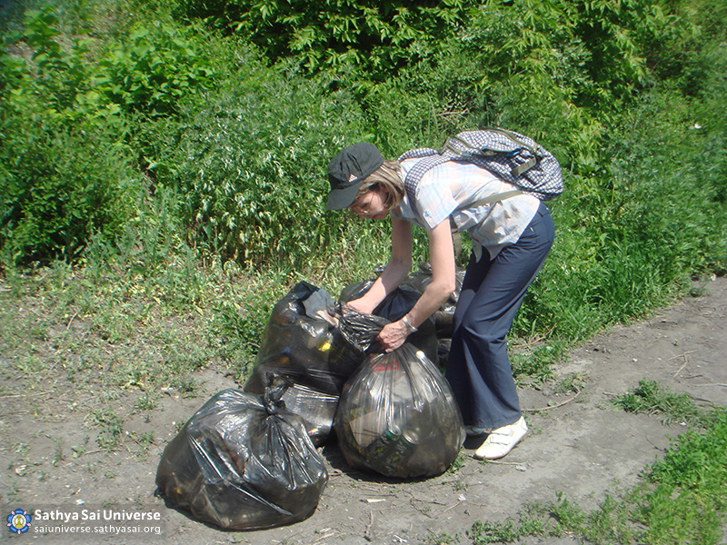 2016-06-11-z8-russia-siberian-region-labor-camp-novokuznetsk-cleaning-the-shores-of-the-river-%d0%b0ba