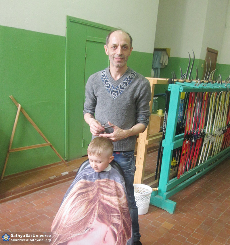 2016-05-26-31-z8-russia-interregional-medical-volunteer-camp-free-haircuts-for-everyone