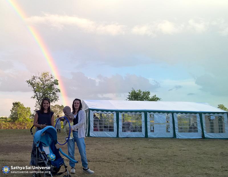 2016-07-10-17-z8-russia-volga-ural-region-the-zonal-childrens-camp-rainbow-blessings-swami
