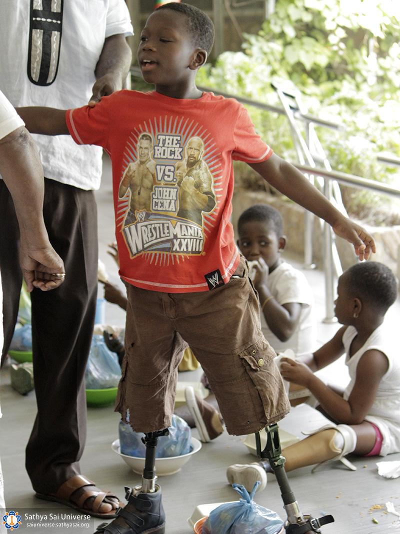 helping-disabeled-children-ghana-2017-36-copy