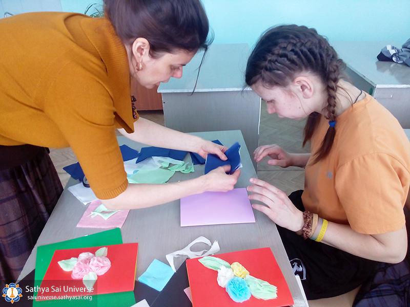 2017-03-04-z8-russia-workshop-in-the-orphanage-help-children