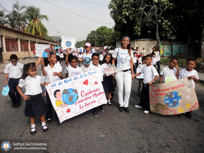 zone-2-b-venezuela-mariara-carabobo-state-4-24-2017-walk-for-human-values-eu-dr-raul-leoni-and-mariara-national-school-4