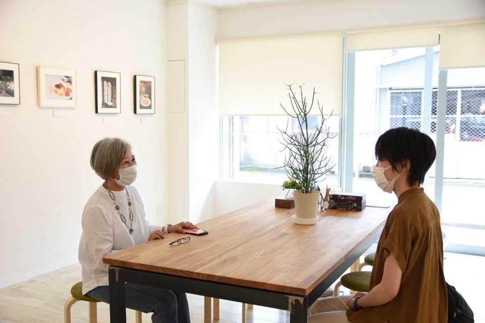 沢田さんとデザイナーの今泉さん