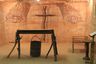 Underground church / Eglise troglodite