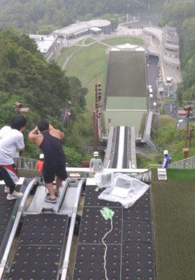 大倉山ジャンプ場にて。偶然居合わせた、雪印チームの練習風景。