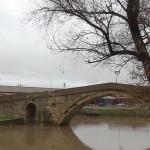 гърбав мост наводнен (1)