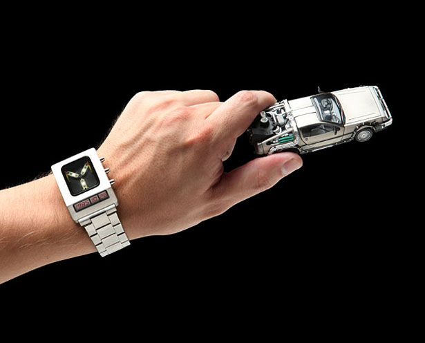 back-to-the-future-flux-capacitor-wristwatch2