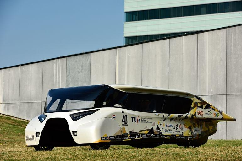 stella-lux-solar-powered-family-car-2