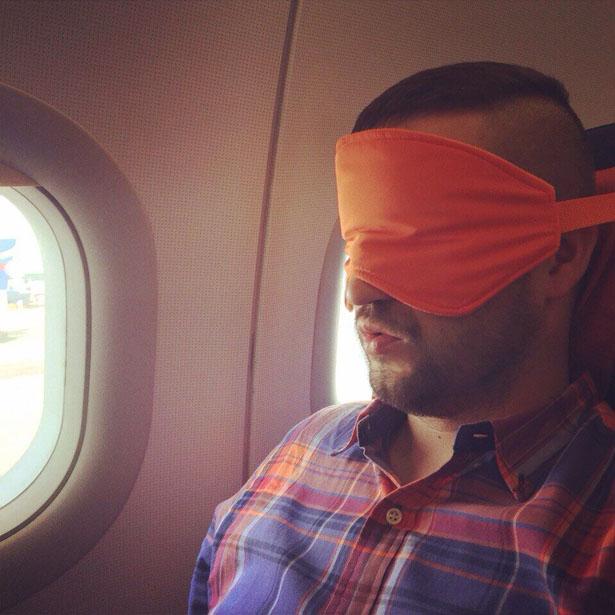 sleeper-sleep-mask-for-travelers-by-lana-dey3