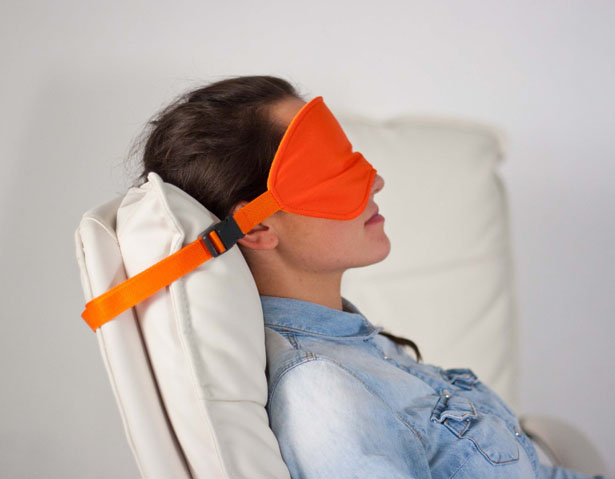 sleeper-sleep-mask-for-travelers-by-lana-dey5