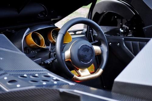 caresto-arkham-car-team-galag-gumball-3000-designboom-09-818x544