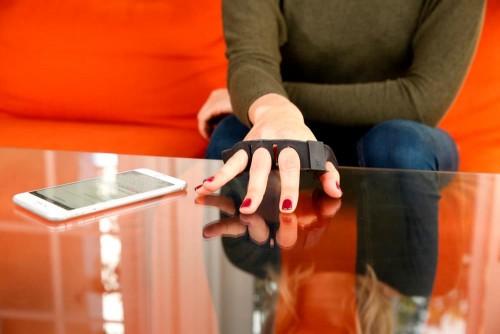 tap-strap-wearable-bluetooth-keyboard-8