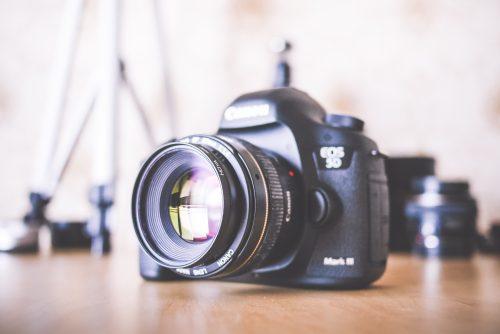 big-dslr-camera-and-equipment-picjumbo-com