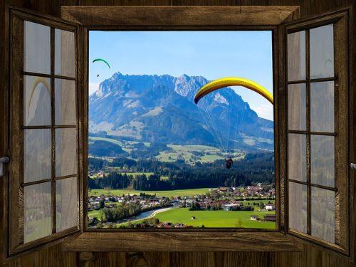 window-1716930_640