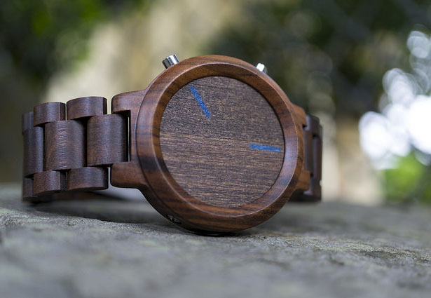 tokyoflash-kisai-blade-wood-link-led-watch2
