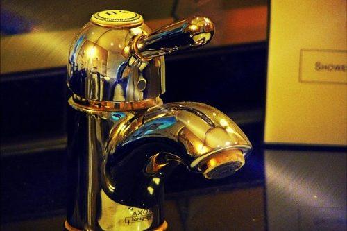 faucet-831255_640