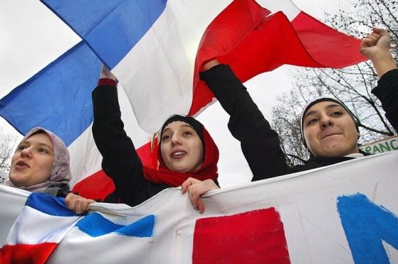 আঁধার-থেকে-আলোর-পথে- French muslims