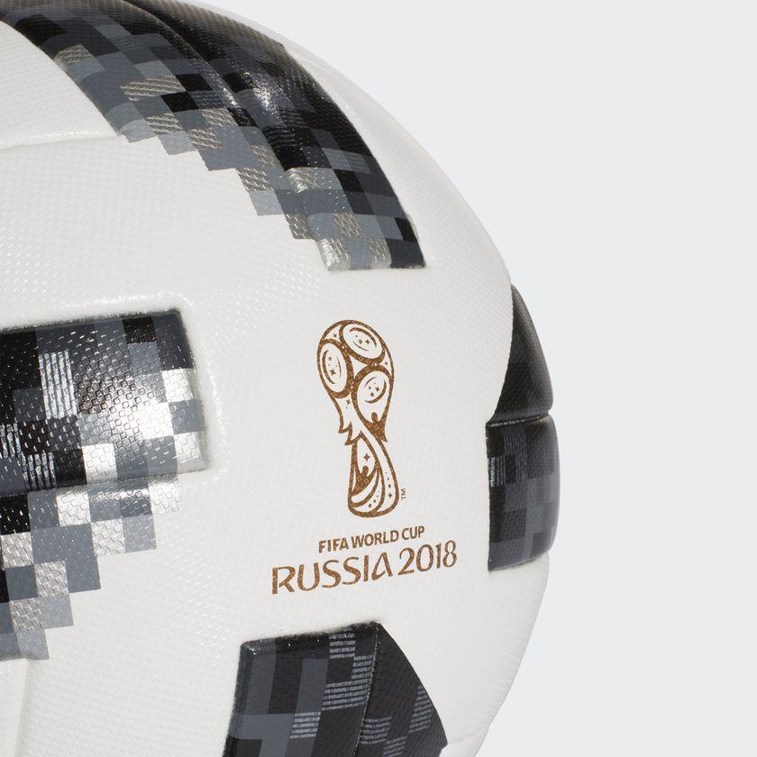 adidas præsenterer VM-bolden Telstar 18 5