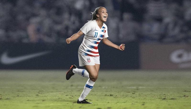 Nike lancerer patriotiske fodboldtrøjer til USA 1